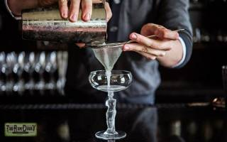 Рецепт коктейля Белая леди (White Lady) и его история