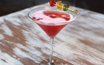 Коктейль Бабл Гам: алкогольный и молочный