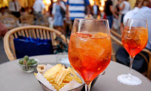 Cocktails on Capri — Food & Drink